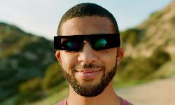 https://safirsoft.com Snap's new AR glasses feature two cameras, two speakers, four microphones and a touchpad