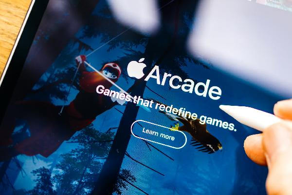 https://safirsoft.com Verizon is offering free 12-month Apple Arcade or Google Play Pass subscriptions to select customers