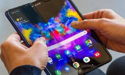 https://safirsoft.com Samsung to start producing foldable OLED panels for third-party phone makers in October