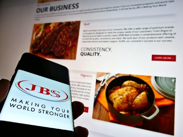 https://safirsoft.com World's biggest meat processor JBS pays $11 million to ransomware gang