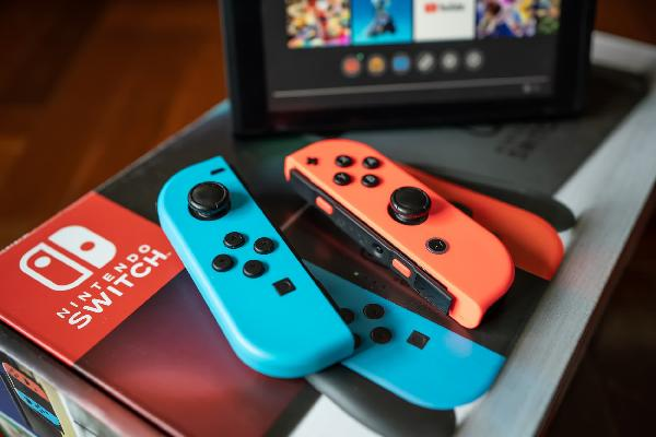 https://safirsoft.com YouTuber offers a simple solution to the Nintendo Joy-Con drift problemمشكلة