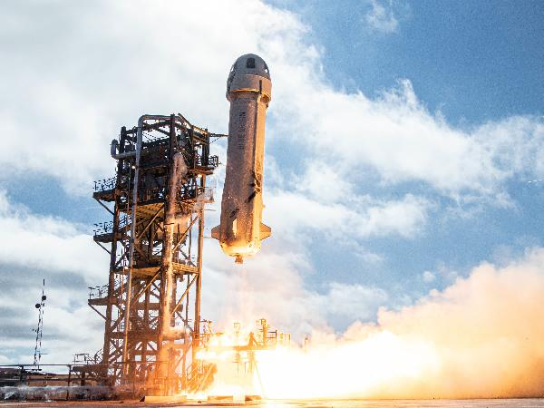 https://safirsoft.com Blue Origin successfully launched its first spaceflight with Bezos