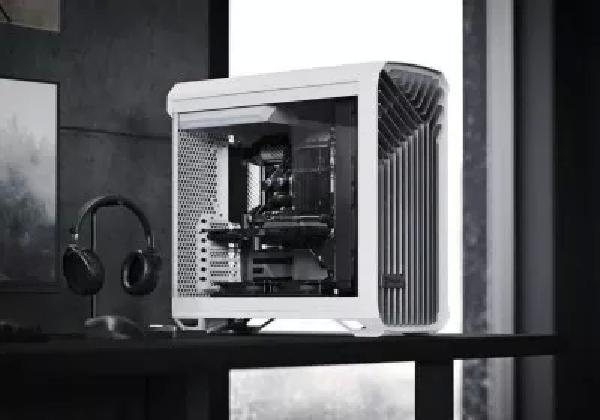 https://safirsoft.com Fractal Design stops selling its new Torrent case and offers a replacement fan hub