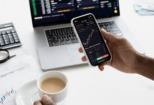 https://safirsoft.com PayPal reviews stock trading platform for US customers