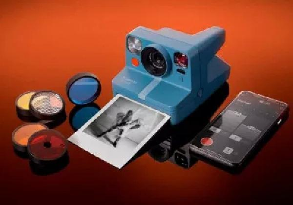 https://safirsoft.com The latest Polaroid instant camera combines old-school ease of use with modern connectivity