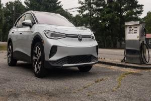 https://safirsoft.com The Volkswagen 4's electrical ID was already good - will all-wheel drive change it?
