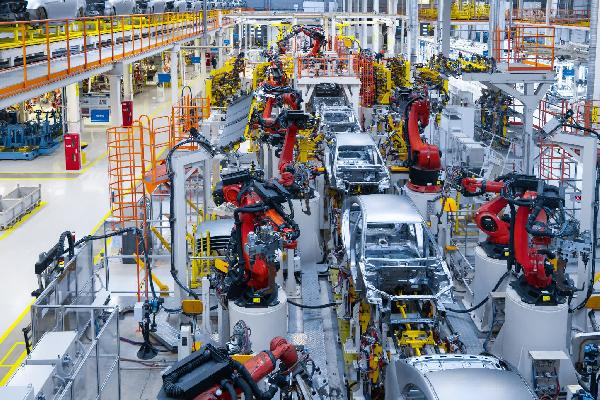 https://safirsoft.com The shortage of chips has hit the auto industry hard and is expected to cost $210 billion in 2021.