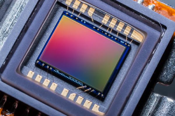 https://safirsoft.com Samsung's ISOCELL HP1 is the first 200MP camera sensor for phones