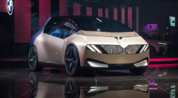 https://safirsoft.com BMW examines recycling with its i Vision Circular concept