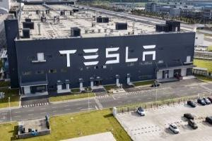 https://safirsoft.com Tesla earned $1.6 billion in the third quarter of this year and is switching to LFP batteries worldwide