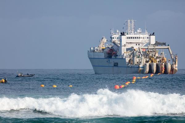 https://safirsoft.com Facebook hires NEC to build an underwater fiber-optic cable between Europe and the US